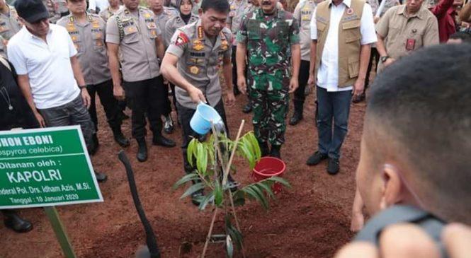 Panglima TNI, Kapolri & Kepala BNPB Tanam 2020 Pohon di Pusat Latihan Multifungsi Mabes Polri