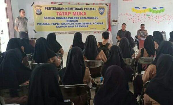 Satuan Binmas Polres Kotamobagu Gelar Kemitraan Polmas di Sekolah-Sekolah Binaan Polres