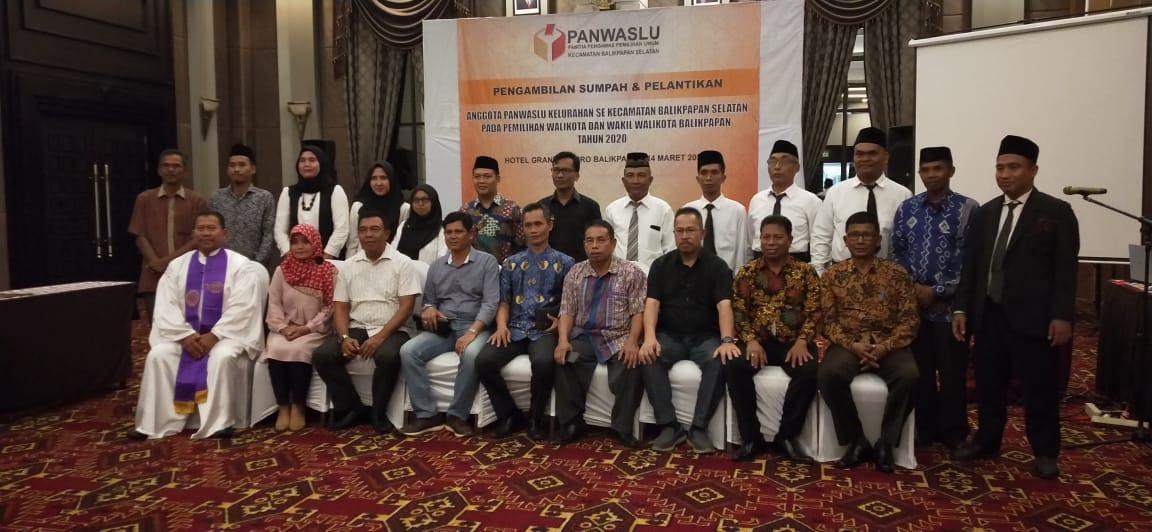 Pengambilan Sumpah/Pelantikan Anggota Panwaslu Kelurahan Se Kecamatan Balikpapan Selatan Untuk Pilkada Walikota & Wakil Walikota 2020
