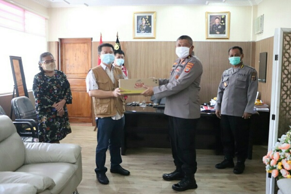 Polda Sulawesi Utara (Sulut) Terima Bantuan 3.000 Liter Minyak Goreng dari PT. MNS