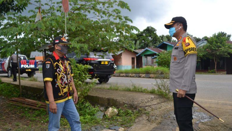 Kapolres Paser AKBP Murwoto S.H., SIK & Rombongan Bagikan Bantuan Sembako kepada Ormas ASAP & Himbau Untuk Patuhi Protokol Covid-19
