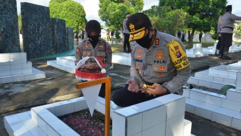 Kapolda Gorontalo Bersama PJU Ziarah Taman Makam Pahlawan Jelang Hari Bhayangka Ke-74