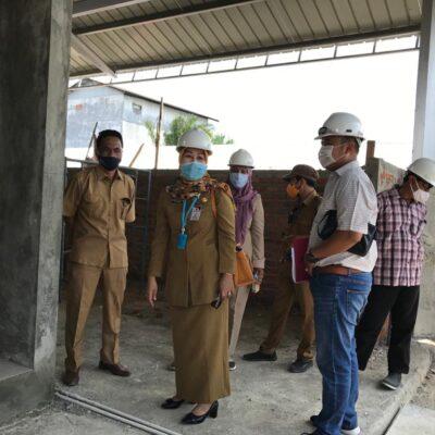1 Desember 2020 Rampung, Asisten Ekbag Paser Tinjau Pembangunan Blok A & B Pasar Senaken