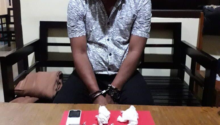 PERANGI PEREDARAN GELAP NARKOBA, POLISI TANGKAP DUA ORANG PENGEDAR SABU
